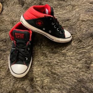 Converse all star black and red size 1